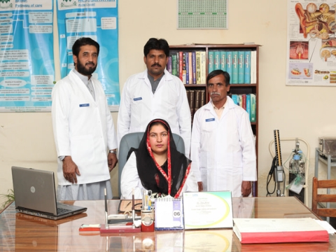 Dr. Irum Javed and her assistants